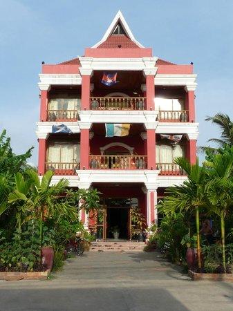 Sidewalk Never Die Hotel Siem Reap: Hotel