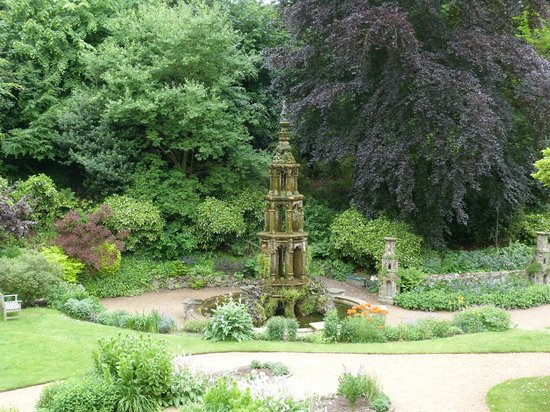 The Plantation Garden: The Gothic fountain