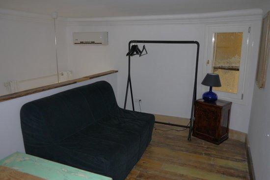 Brody House: Spare Room