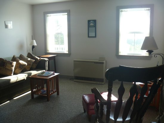 West Quoddy Head Station : Living room area