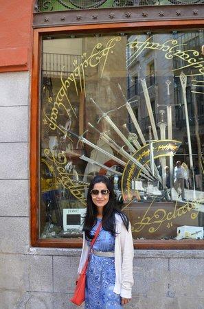 Pullmantur Bus : Sword shops in Toledo