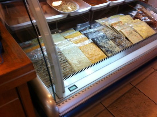 Paola Di Verona: Display of risottos to take home