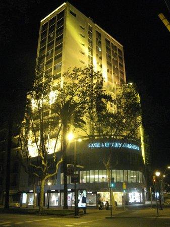 Hesperia Presidente: Здание гостиницы