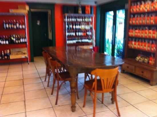 Paola Di Verona: View of the restaurant