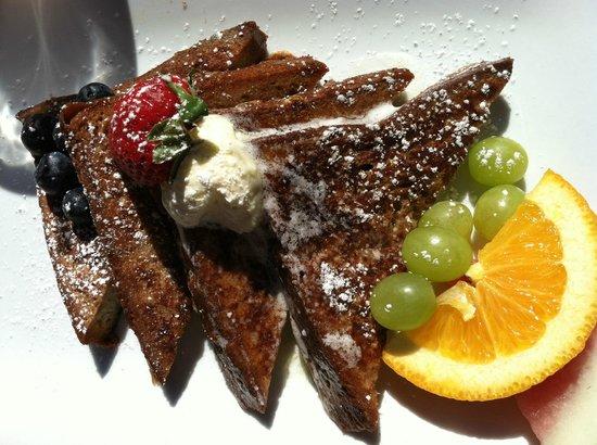 Dunbar Restaurant & Tea Room: French toast & fresh fruit