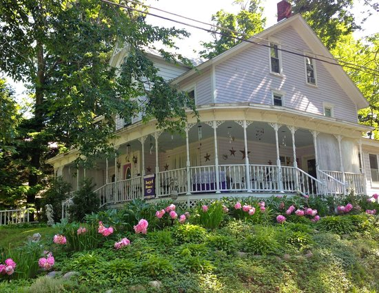 Outside view of Angel House B&B