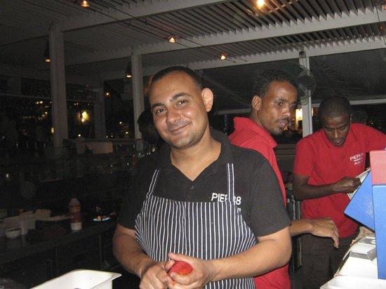 Pier88 Restaurant & Lounge : Staff at Pier 88