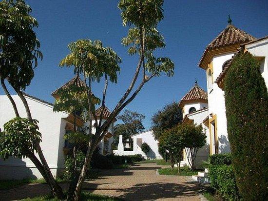 San Roque Suites: Exterior