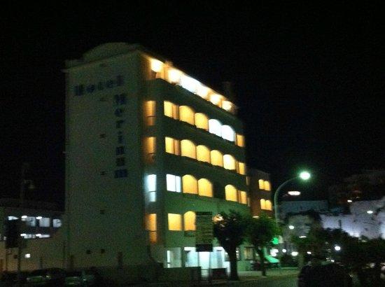 Hotel Merinum : Vista notturna dell'Hotel