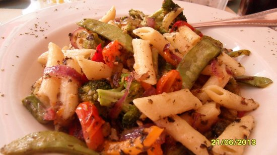 Paulo's Italian Trattoria: Primavera pasta, yummy