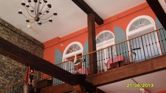 Paulo's Italian Trattoria: upstairs, nice decor