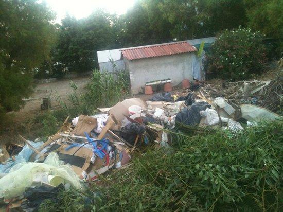 Pegasos Beach Hotel: garbage pile