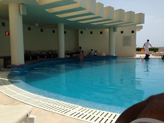 The infinity pool picture of live aqua beach resort cancun cancun tripadvisor for How many rooms at live aqua cancun
