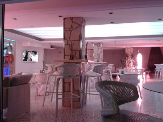 Playas del Rey Hotel: bar area