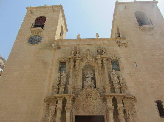 Iglesia de Santa María: Beautiful facade