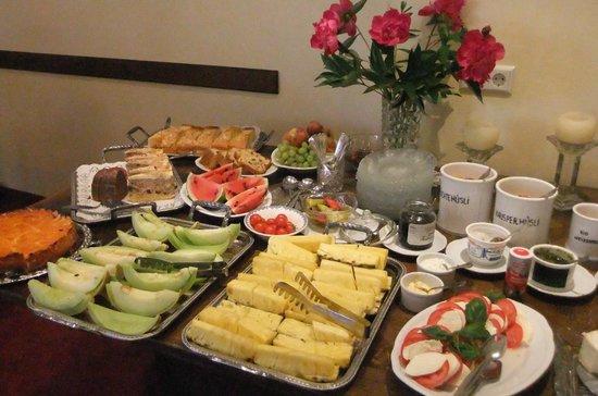 Gasthaus Weingut Stahl: Frühstücksbuffet: Nichts für Kilohasser!