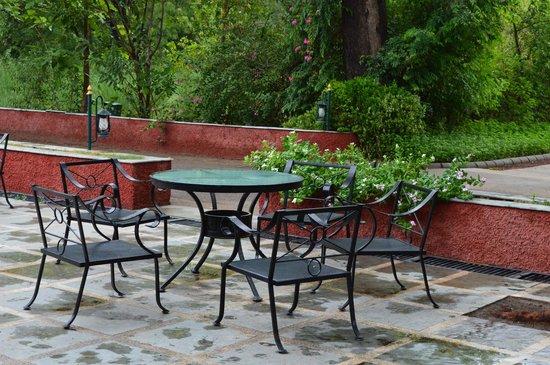 Vivanta by Taj - Sawai Madhopur Lodge: Open dining