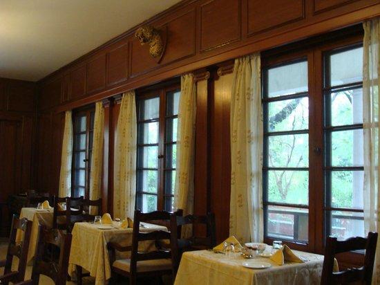 Vivanta by Taj - Sawai Madhopur Lodge: Dining Tables