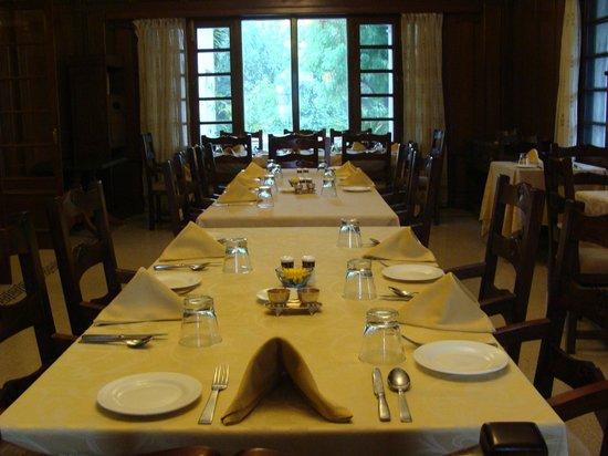 Vivanta by Taj - Sawai Madhopur Lodge: Dining Table