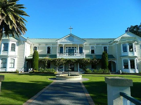 Pebble Beach Motor Inn: Nearby Mission Estate Winery and Restaurant