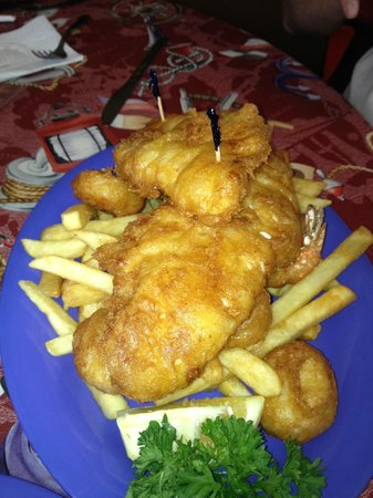 cafe 776: Fried seafood plate--ample for two!