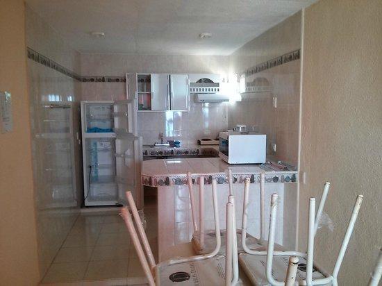 Barracuda: kitchen in suite