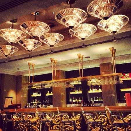 Brasserie Angelique: Bar area