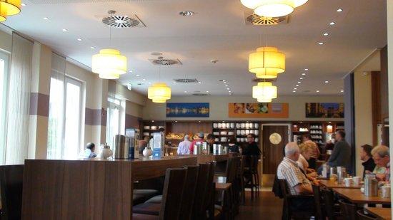 Holiday Inn Express Hamburg - St. Pauli Messe: Breakfast