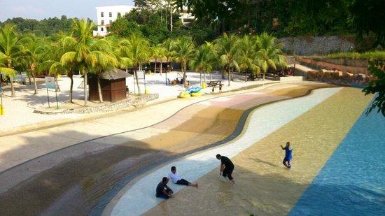 Gambang, Malezja: Nice wave.