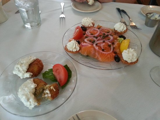 Marcel's Restaurant: Crab Cakes and Salmon Appetizers