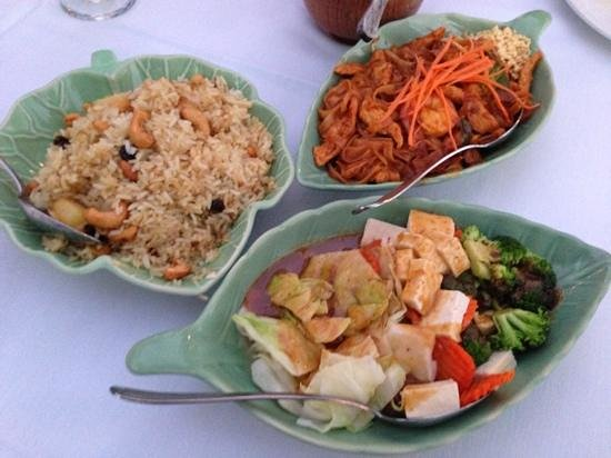 Siamese Garden: Pineapple Raisin Rice, Pad Thai, Vegetables with Peanut Sauce