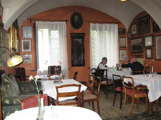 Klezmer Hois: Main dining room