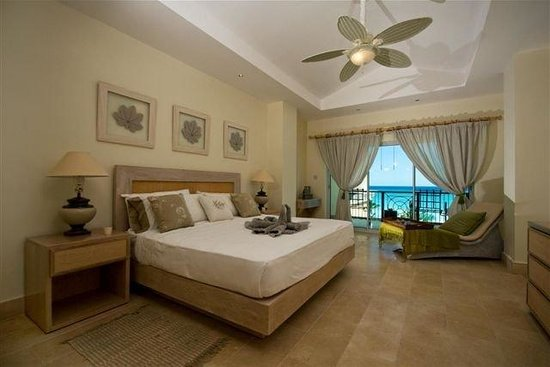 Aquamarina Luxury Residences : Bedroom