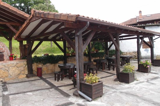 Hotel Rural El Texu: outdoor seating