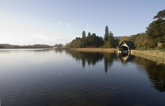 Castle Leslie Estate: Boat House on Glaslough Lake