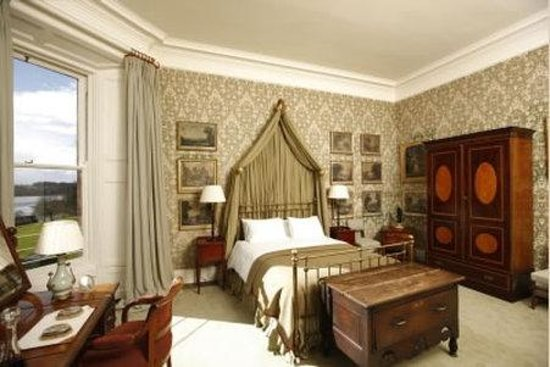 Castle Leslie Estate: Heritage Guest Room