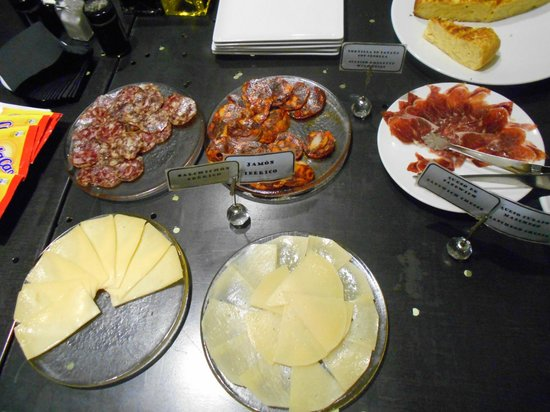 Posada del Leon de Oro: Breakfast buffet