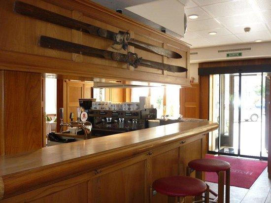 Hotel de la Lande: Our Swiss pub !
