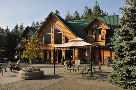 Cowichan River Wilderness Lodge: getlstd_property_photo