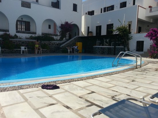 New Haroula Hotel : in the sunbathing area