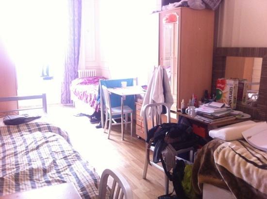 Sandeman Allen : Three bed room