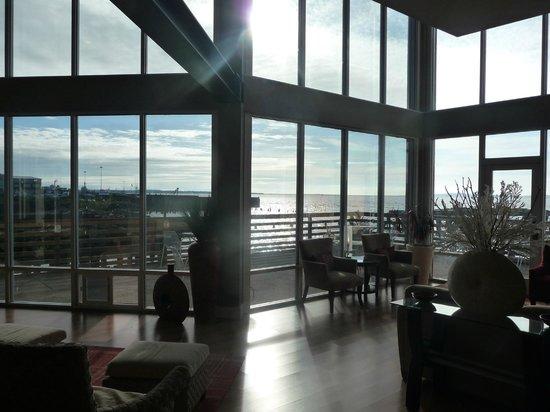 Cannery Pier Hotel: Main lobby