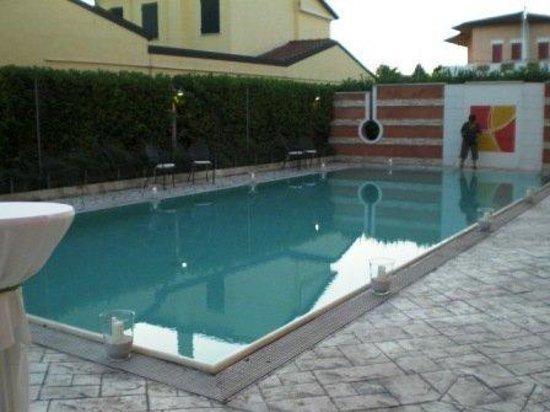 Hotel Villa Altura : POOL VIEW