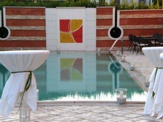 Hotel Villa Altura: POOL VIEW