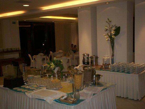 Geraniotis Beach Hotel: Fra frokostsalen