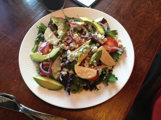 Father Tom's Pub: salad special, pears, blue cheese