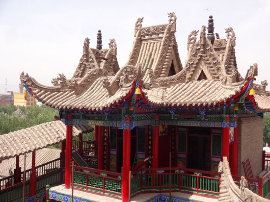 Gaomiao Temple of Zhongwei: View of temple from higher level
