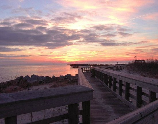 Chesapeake Bay View Bed & Breakfast: We face West and beauttifu sunsets every evening
