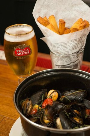 Bistro Jacques: Mussels and Belgian-Style Frites