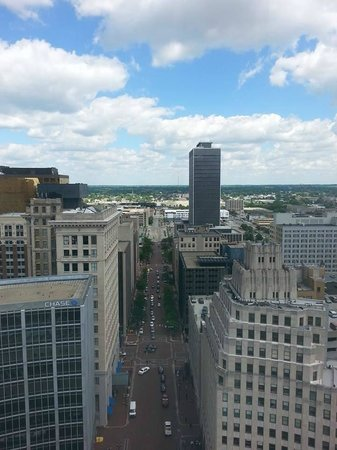 Colonel Eli Lilly Civil War Museum - Soldiers & Sailors Monument : View from the top